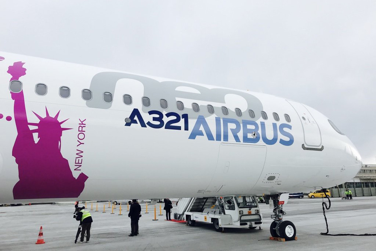 Airbus a321lr completes flight from paris to new york for New york to paris flights